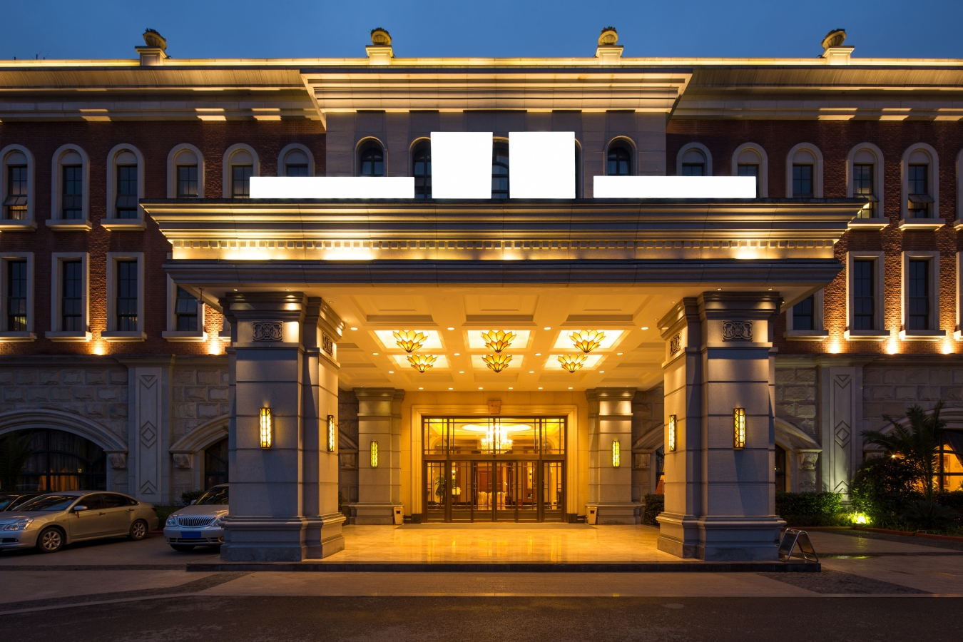 5 star hotel architecture design and planning online in for Design hotel usa